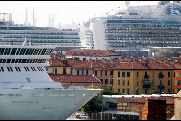 Le port des croisières vénitien. Quelque 600 paquebots semblables y font escale chaque année