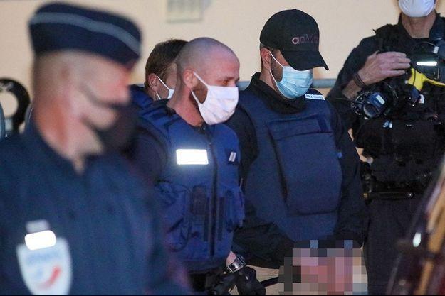 Nordahl Lelandais à son arrivée mardi au tribunal de Chambéry.