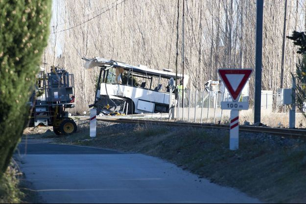 Le bus accidenté à Millas.