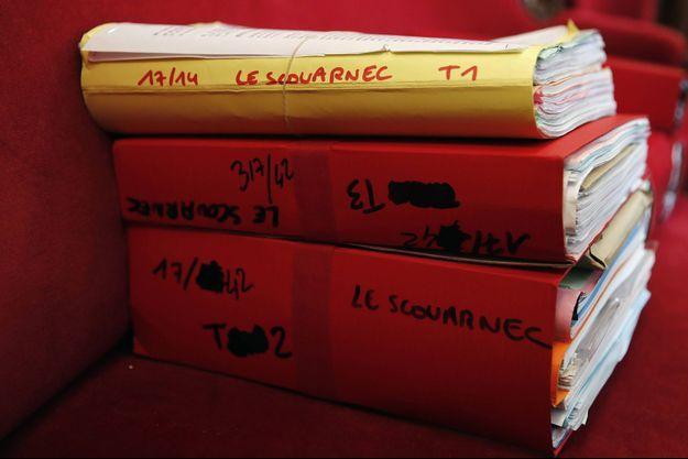 Le dossier Le Scouarnec, à Saintes, en mars 2020.