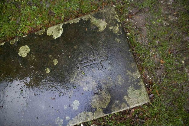 Illustration d'une tombe.