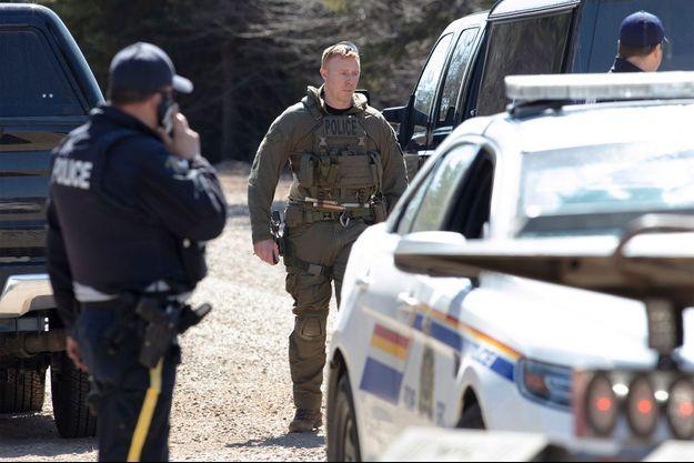 Les autorités canadiennes ont traqué le suspect pendant des heures avant de le neutraliser dimanche matin.