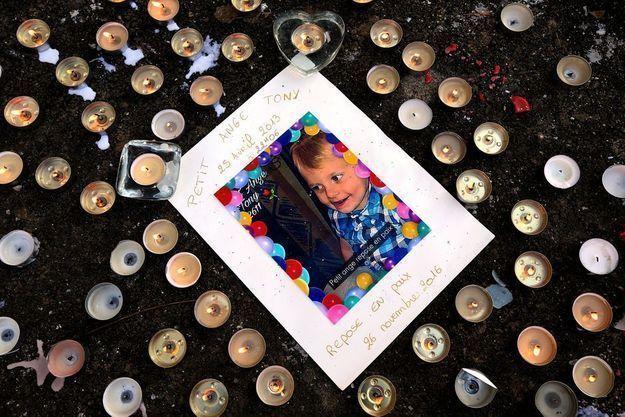 Le petit Tony est mort à trois ans.