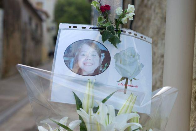 Une photo de la fillette accroché près du domicile de ses parents à Bellegarde près de Nîmes.