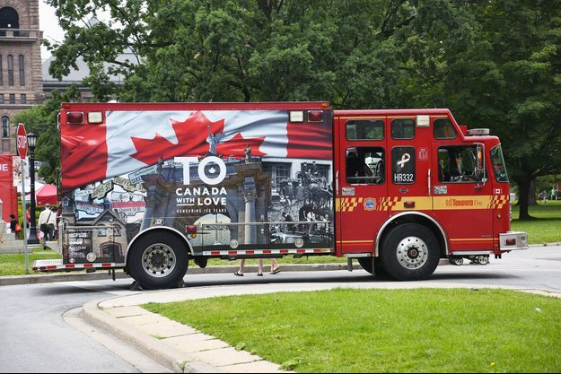 Un camion de pompiers canadien.