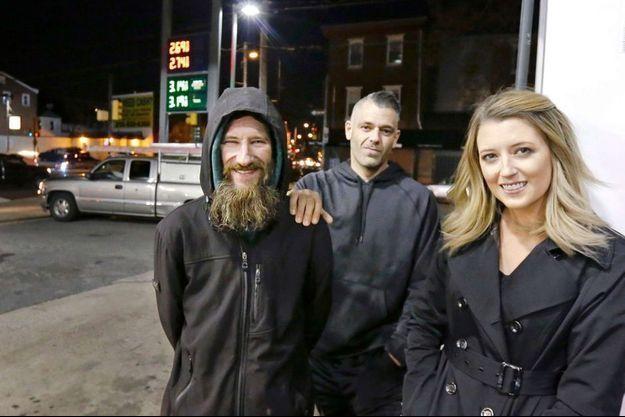 Mark D'Amico, Katelyn McClure et Johnny Bobbitt.