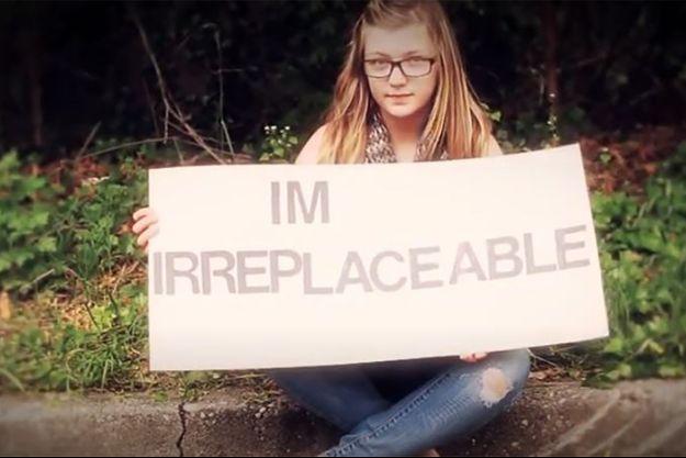 Gabby, à 14 ans, dans un clip contre les violences.