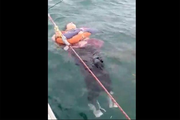 Angélica Gaitán dans une vidéo tournée par les pêcheurs qui l'ont secourue.