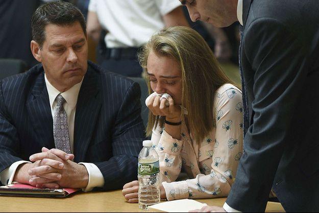 Michelle Carter en pleurs après l'énoncé du verdict, vendredi.
