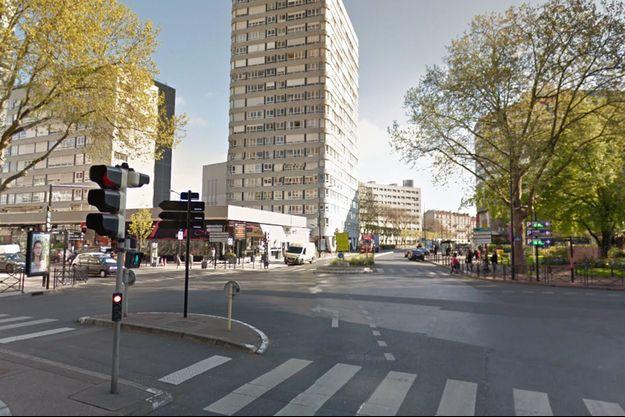 La place Charras à Courbevoie.