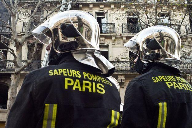 Une équipe de sapeurs-pompiers en intervention a été accueillie par des projectiles mercredi soir à Beauvais (image d'illustration).