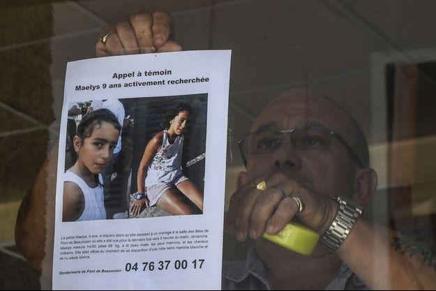 Un avis de recherche pour retrouver la fillette de 9 ans, placardé dans un bar de Pont-de-Beauvoisin. (image d'illustration)