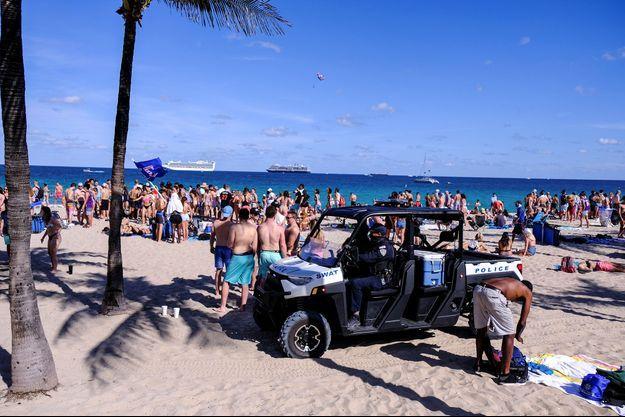 Des spring breakers sur une plage de Miami, en Floride, le 5 mars dernier.