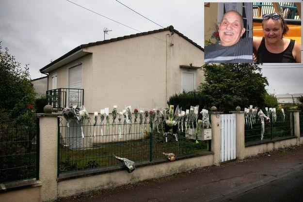 Au 20, rue Henri-Guichard, des dizaines d'habitants sont venus déposer une rose en hommage à l'octogénaire. En médaillon: Jacques Samson, 84 ans, cheminot à la retraite et Karine Foucher, 42 ans, mère de deux enfants.