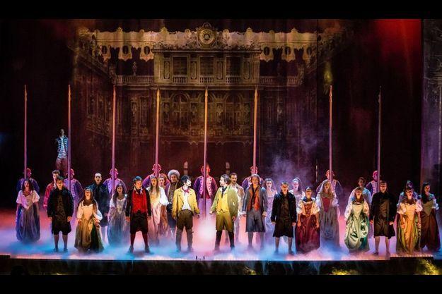 """La troupe de """"1789: les amants de la Bastille"""""""