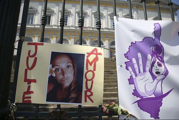 Le portrait de Julie Douib a été exposé devant la cour d'assises de Bastia.