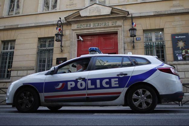 Une voiture de police à Paris (photo d'illustration).