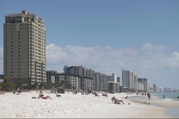 La plage de Panama City, en Floride, image d'illustration.
