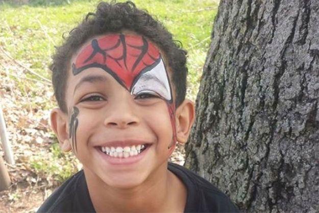 Le petit Gabriel est mort à 8 ans, pendu dans sa chambre.