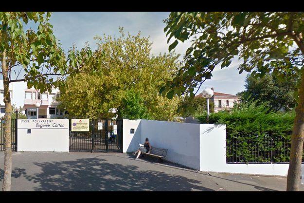 Le lycée Eugénie-Cotton de Montreuil