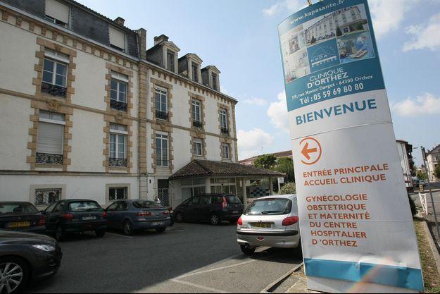 L'entrée de la maternité d'Orthez.