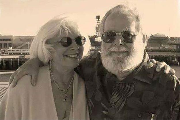 Brian S. Jones, 77 ans, et Patricia Whitney-Jones, 76 ans