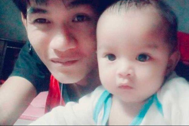 Wuttisan Wongtalay et son bébé de 11 mois, avant le drame.