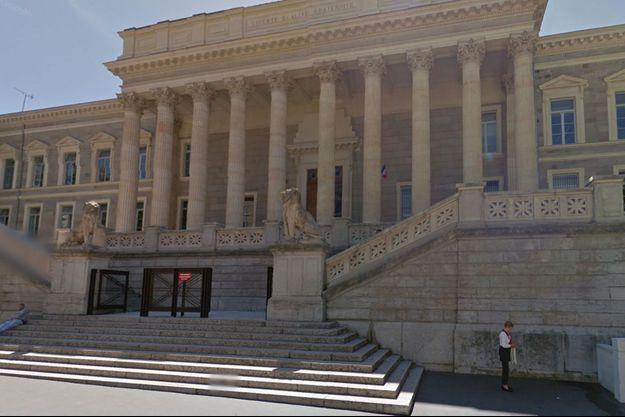 Le Palais de justice de Saint-Etienne