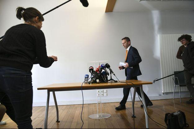 Le procureur de la République de Besançon, Etienne Manteaux, lors d'une conférence de presse, jeudi.