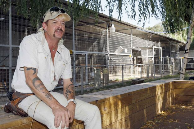 Joe Exotic, le gardien de zoo qui voulait assassiner sa rivale