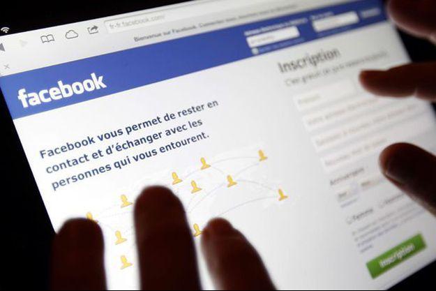 La jeune femme de 18 ans qui s'était immolée par le feu en direct sur Facebook Live est décédée. (image d'illustration)