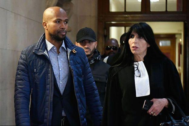 Le rappeur Rohff et son avocate Malika Ibazatene, le 29 septembre 2017 à Paris.