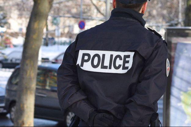 Un homme s'est jeté du dixième étage d'un immeuble avec son enfant de 20 mois, à Montargis (image d'illustration).