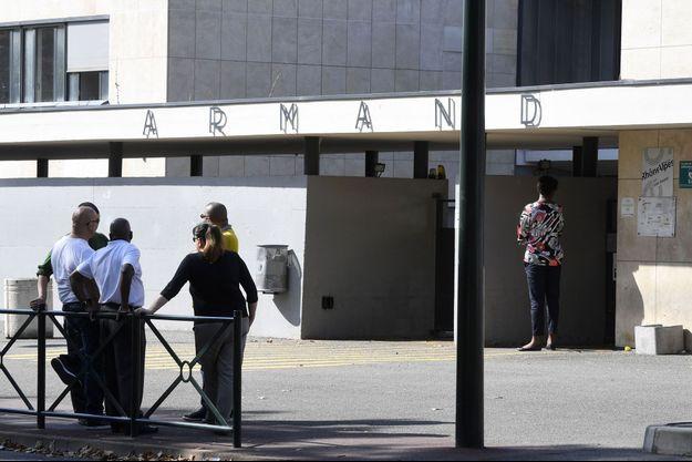 L'agression s'est déroulée lundi dans l'enceinte du lycée Louis Armand.