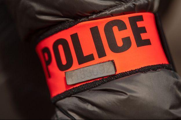 La femme a été retrouvée inconsciente dans son lit.
