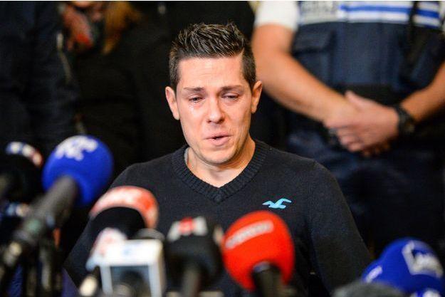Jonathann Daval s'adresse à la presse le 2 novembre 2017. Il n'est alors pas publiquement désigné comme suspect.