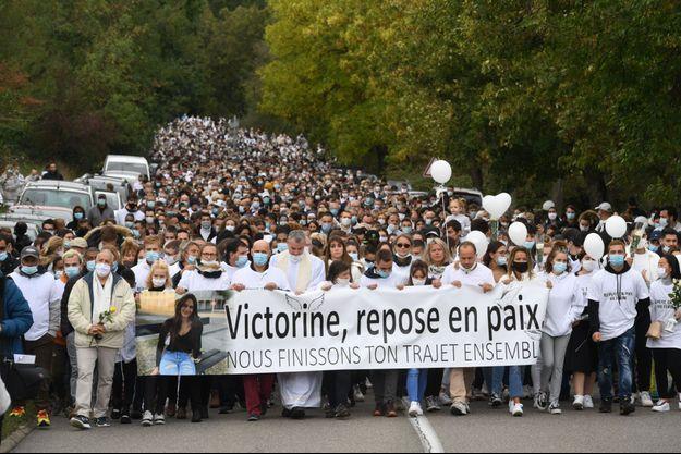La marche blanche organisée pour Victorine, à Villefontaine, le 4 octobre.