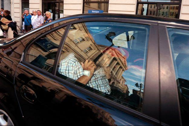 Le bijoutier Stephan Turk à la sortie du tribunal de Nice vendredi