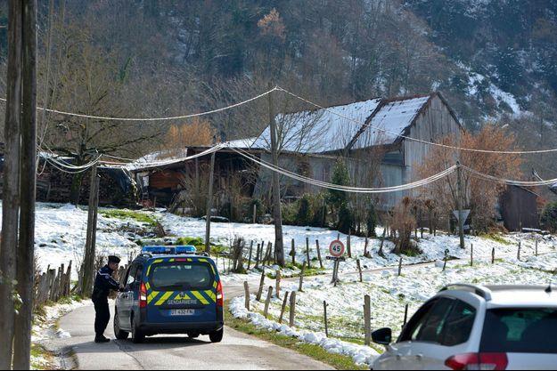 A Pont-de-Beauvoisin, en Isère, le 14 février, durant les recherches du corps de la petite Maëlys.