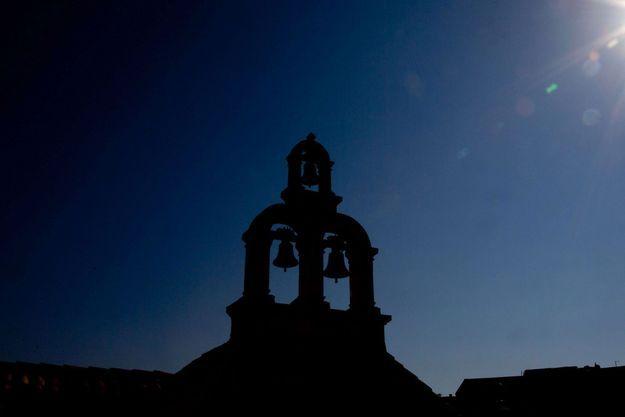 Les cloches d'une église (images d'illustration).