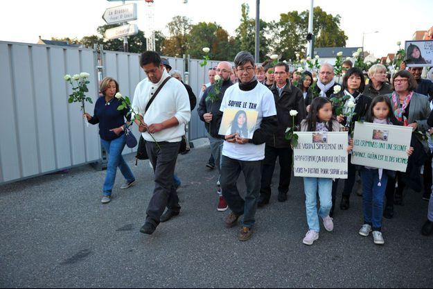 Lors de la marche pour Sophie Le Tan, samedi soir à Schiltigheim.