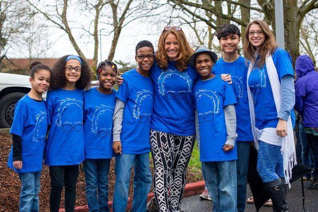 Les enfants Hart entourés de leurs parents.