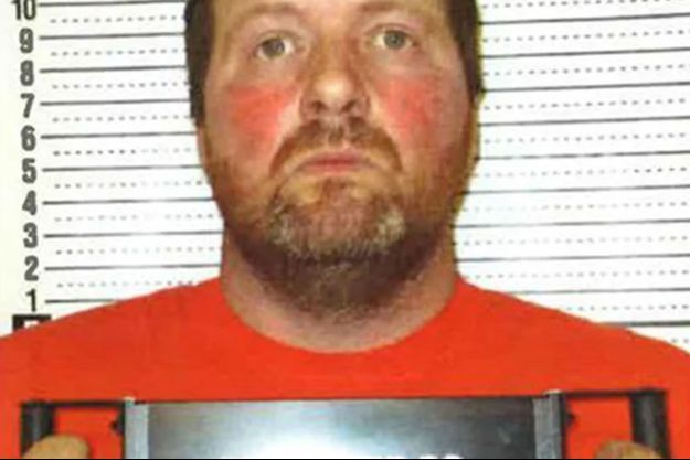 L'homme est accusé du meurtre de sa femme.