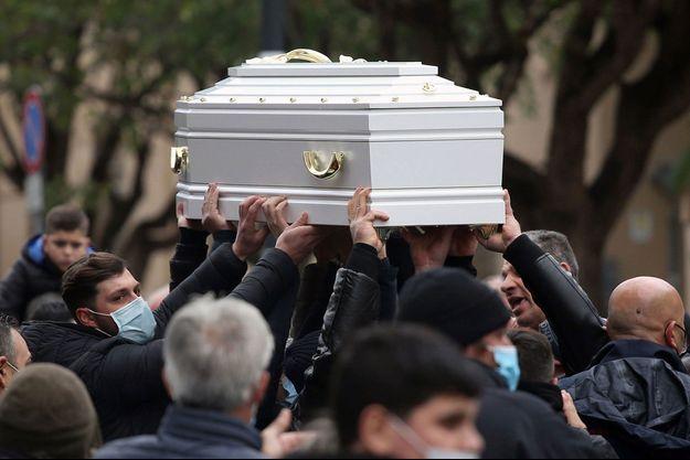 A Palerme, lors de la cérémonie funéraire de la jeune défunte.