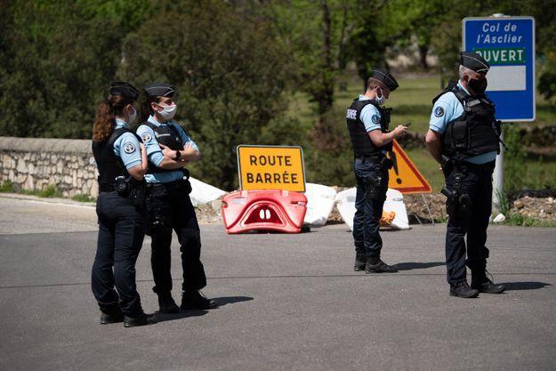 La gendarmerie à la recherche du double meurtrier des Cévennes.