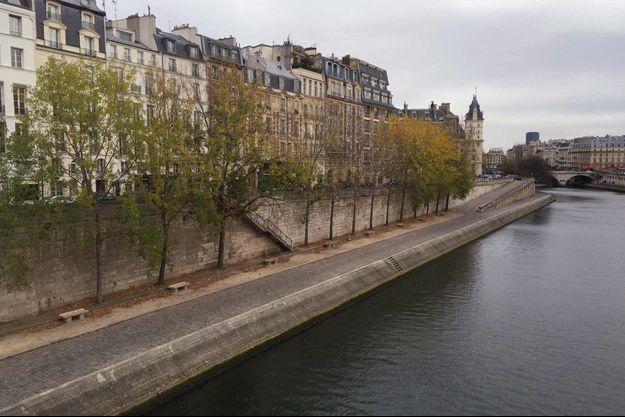 Le corps a été repêché près du Pont Neuf, dans le 1er arrondissement de Paris.