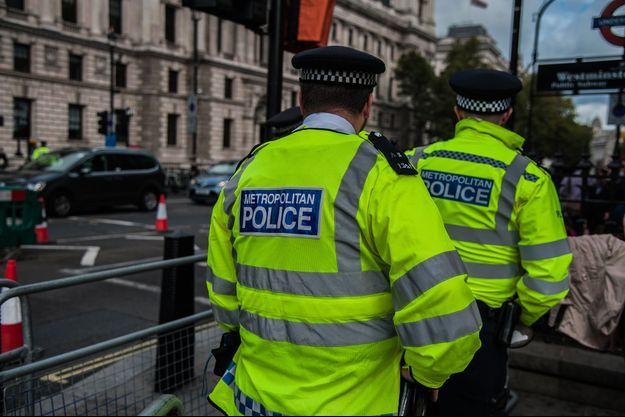 Des policiers londoniens.