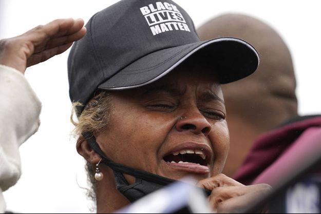 Sherrellis Stinnette, la grand-mère de Marcellis Stinnette, pleure la mort de son petit-fils.
