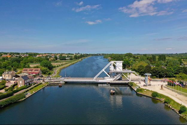 Le Pegasus Bridge, à Bénouville.