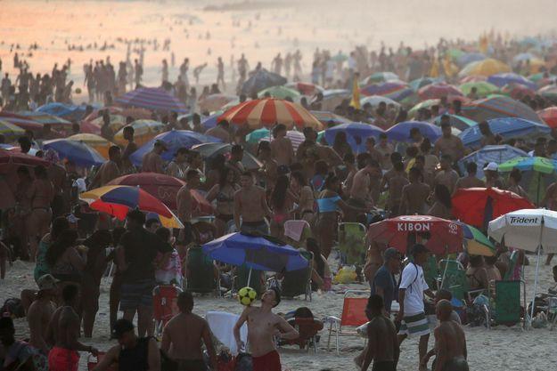 Plage d'Ipanema à Rio, au Brésil.